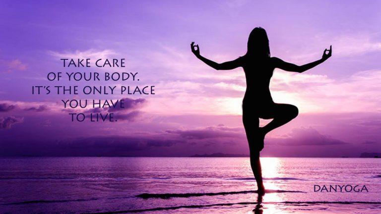 Skozi redne prakse joge, se naučimo poslušati sebe, svoje telo, svoje misli